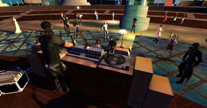 """Elrik """"Rik"""" Merlin spins out the music at OBR in SL (image courtesy of Wildstar Beaumont)"""