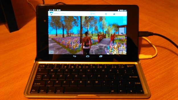 A suitable bluetooth keyboard can further enhance using Lumiya