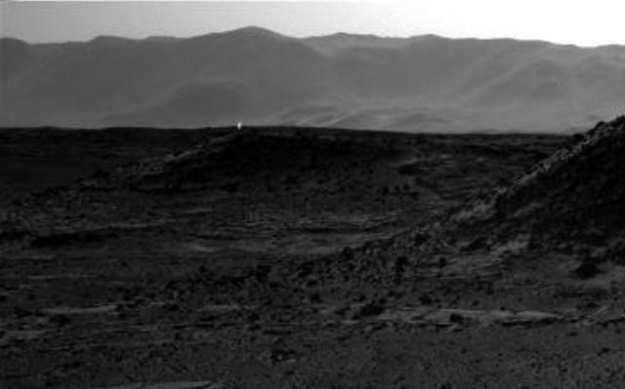 Bright reflections / spots on some of the images returned by Curiosity have given rise to some oddball theories. Are tiny Martians signalling us via mirrors..?