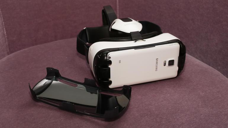 522fbb9b48f Samsung s Gear VR headset reaches the marketplace – Inara Pey ...