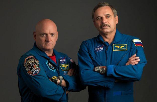 Scott Kelly (l) and and Mikhail Kornienko (credit: NASA)