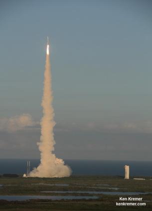 The Atlas V booster carrying OSIRIS-REx shortly after lift-off on Thursday, September 8th. Credit: Ken Kremer