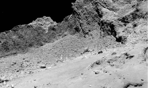 The final descent: Rosetta's OSIRIS narrow-angle camera captured this image of Comet 67P/Churyumov-Gerasimenko from an altitude of about 16 km above the surface during the spacecraft's final descent on September 30, 2016. Credit: ESA/Rosetta/MPS for OSIRIS Team MPS/UPD/LAM/IAA/SSO/INTA/UPM/DASP/IDA.