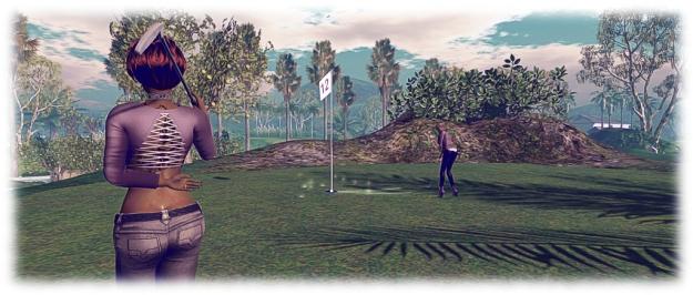 AERO golf club: Caitlyn makes the putt!