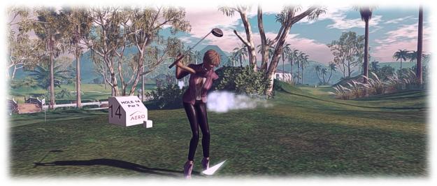 AERO Golf Club: Caitlyn tees off!